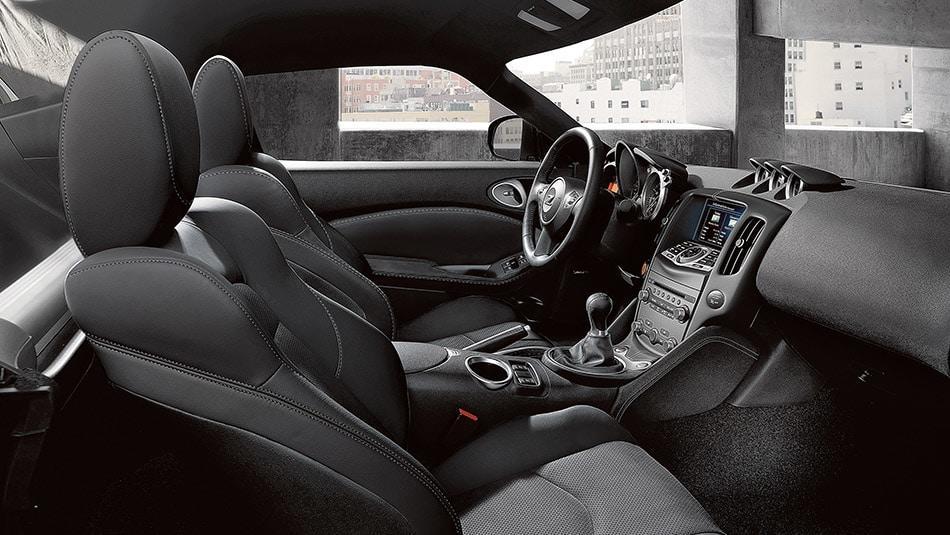 2015 Nissan 370Z Roadster - Interior