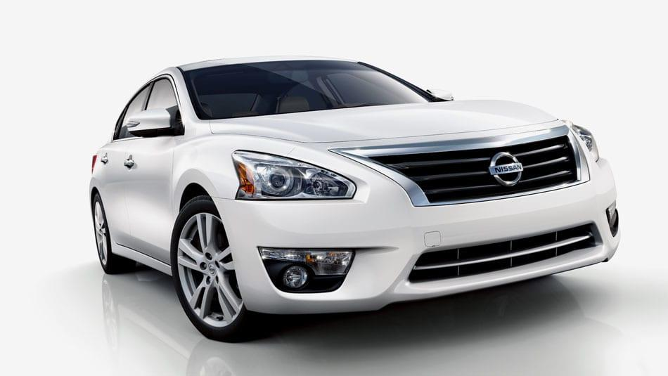 2014 Nissan Altima SL Front View